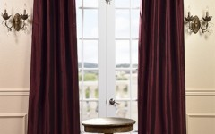 Ruched fabric can make single windows quite stylish.