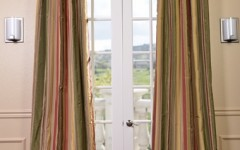 Striped drapes like these are great for expressing your style.